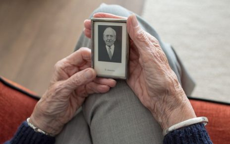 Seniors Homes Get New Guidelines In Wake Of String Of COVID-19 Deaths