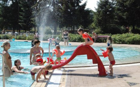 Governor Cuomo opens up pools for July 4th long weekend