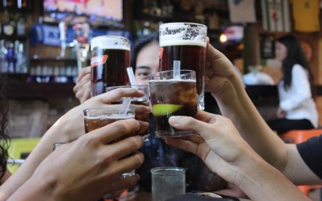 UK Pubs and restaurants reopen amidst high COVID-19 deaths