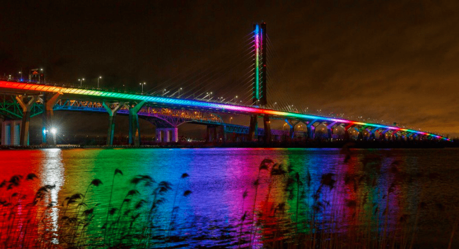 Samuel De Champlain Bridge illuminated in colours of Lebanon