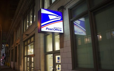 Trump makes changes to Postal Service that threatens 2020 elections