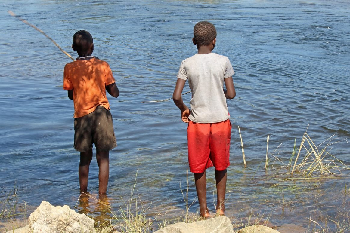 Uganda's Army educates fishing community about COVID-19 with help from WHO