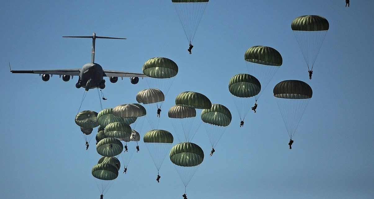 250 paratroopers from UK's 16 Air Assault Brigade parachuted in Ukraine earlier Saturday morning