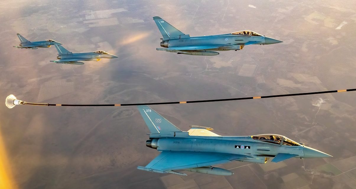 UK Fighter Jets To Be Fueled By Algae, Alcohol and Household Waste