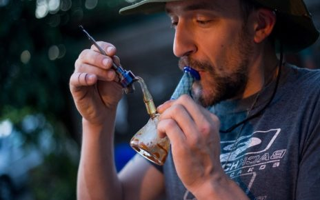 """""""Joints For Jabs"""" Canadian Company Offers A Year Of Free Cannabis To Get Vaccinated"""