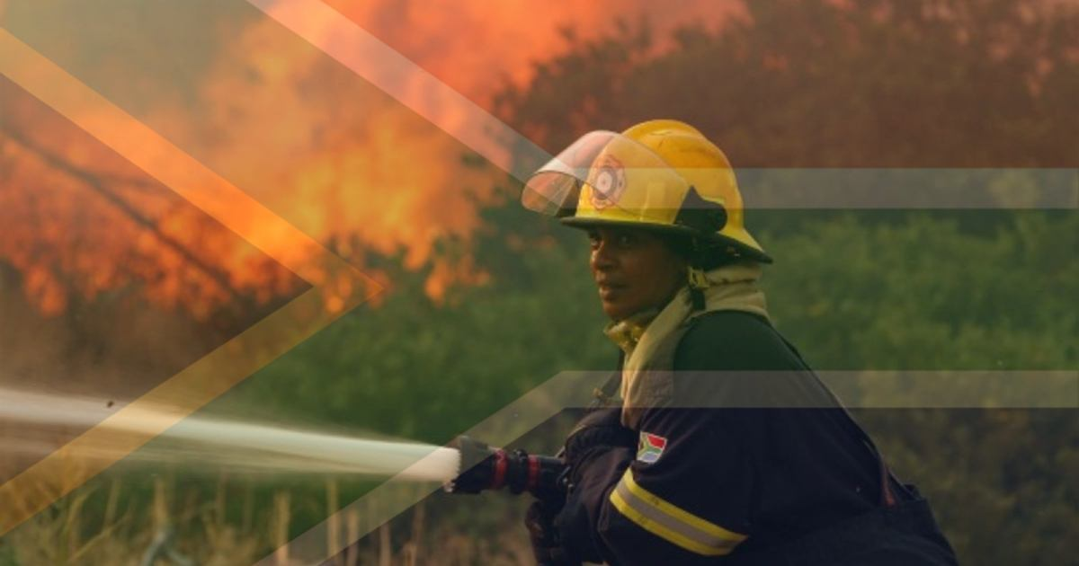Over 100 South Africans Firefighters Fly To Manitoba