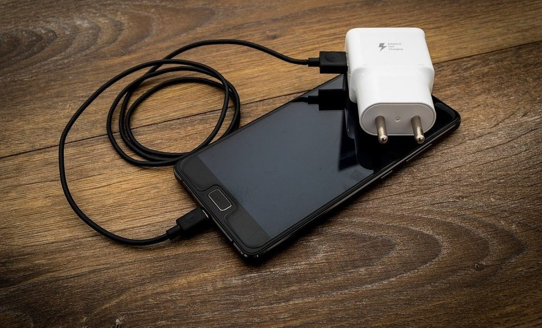 European Union Pulls The Plug On Cell Phone Chargers